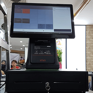 POS_Machine_Installed_For_Indonesian_Food_Store_At_Lucky_Plaza_Singapore_Simplus